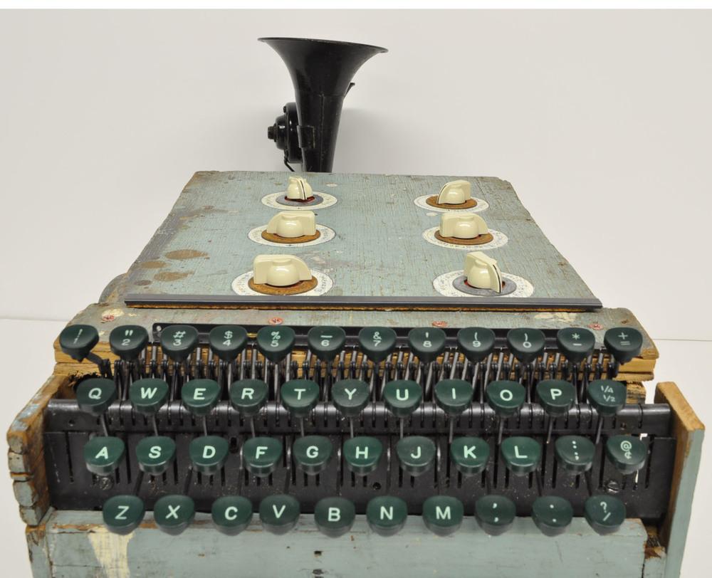 dream incubator keyboard.jpg