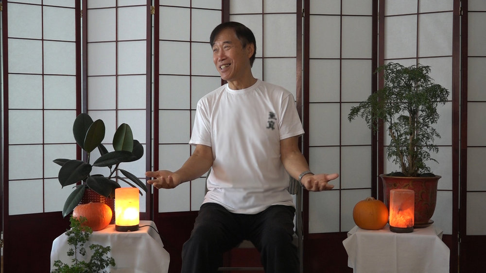 Master Li teaches Listening to the Heart - A form of Sheng Zhen Meditation