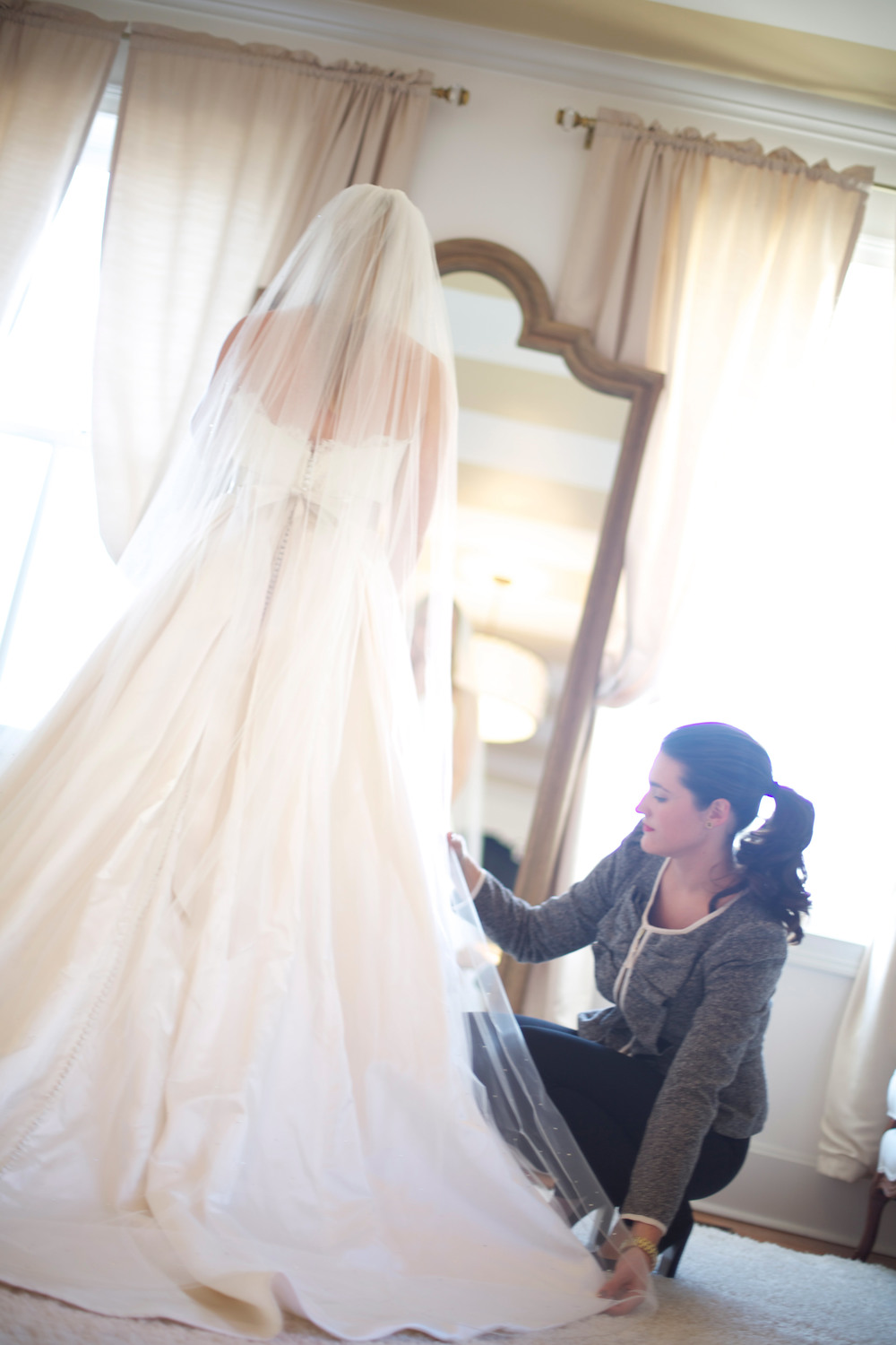 Andrea styling a Bride