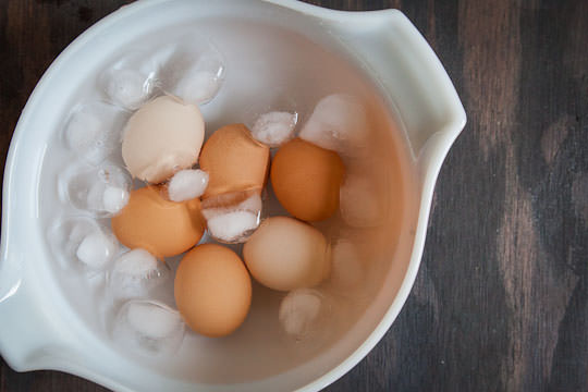 Perfect-Soft-Boiled-Egg-Process-2.jpg.pagespeed.ce.FJiDp9sN8e.jpg