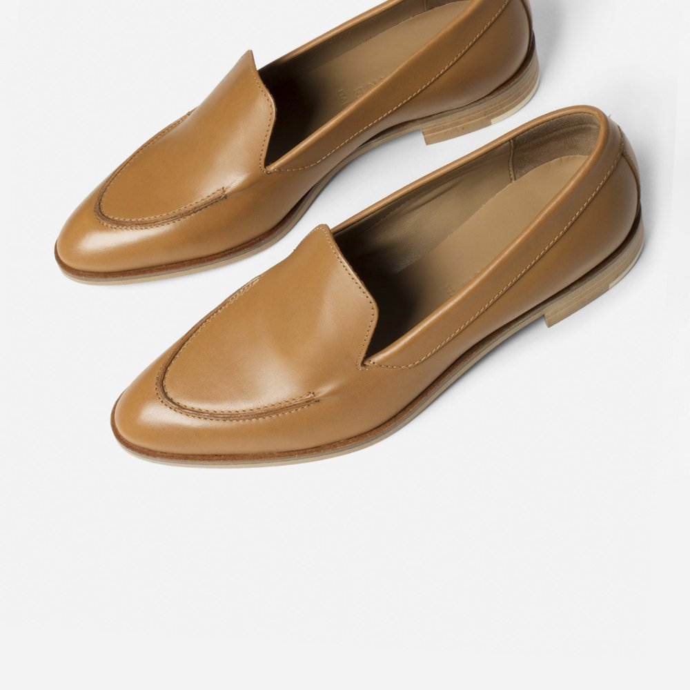 EVERLANE... - These stunning everlaneclassics are my must buy for fall. This color seems to go with everything in my wardrobe and I love the borrowed from the boys shape and vibe. I can't wait to pair these with fall dresses or high waisted jeans and a vintage tee.