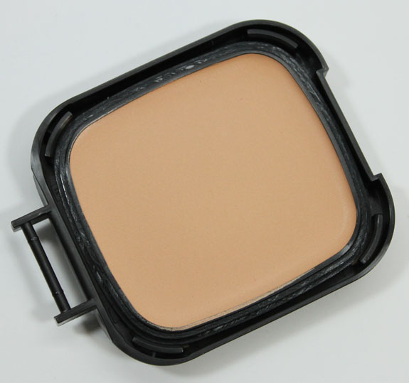 NARS-Radiant-Cream-Compact-Foundation-7.jpg