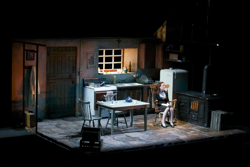 the beauty queen of leenane essay The beauty queen of leenane review: old elemental conflicts meet new pop-culture obsessions druid 's new production of martin mcdonagh's 1996 play.