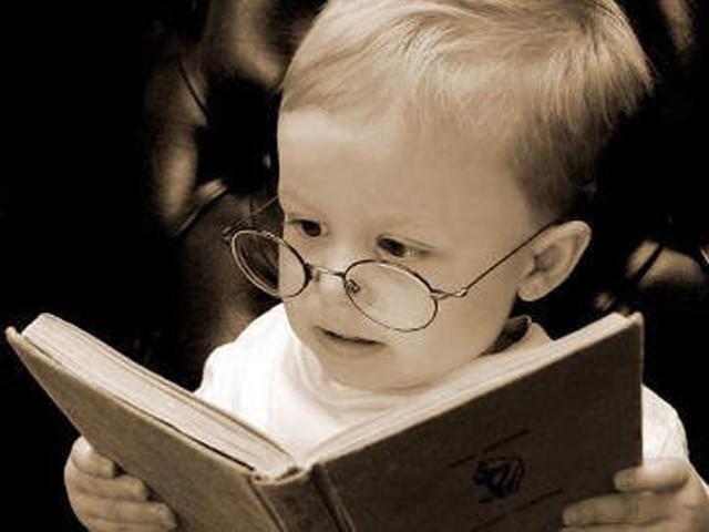 Kid-Reading-640x480.jpg