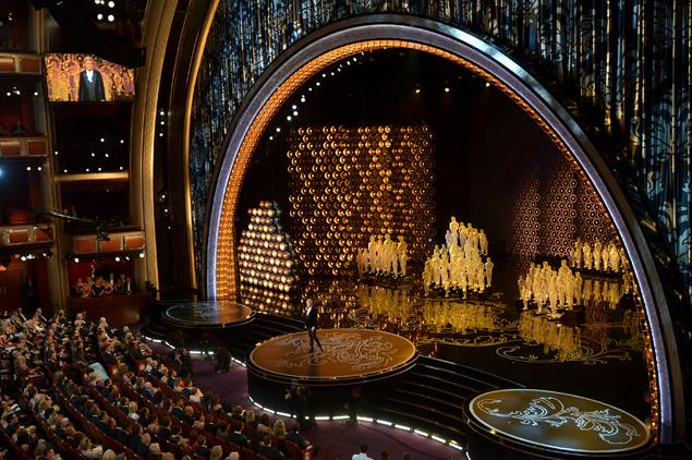 Ellen Degeneres hosting the 86th Academy Awards, 2014 (www.nydailynews.com)
