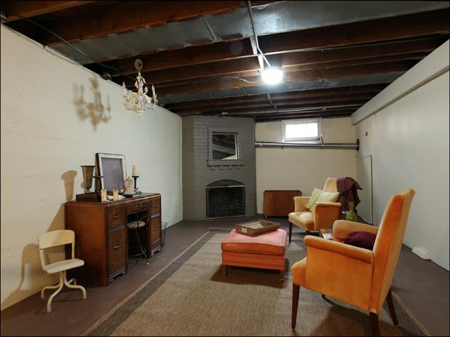 3844 SE Simpson basement.jpg