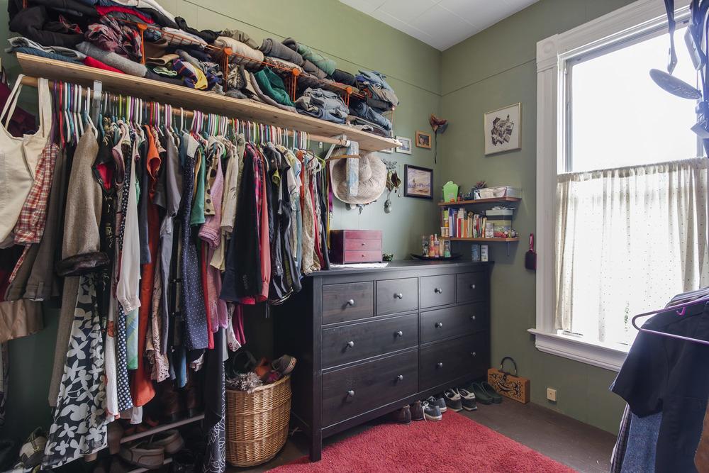 upper unit walk in closet