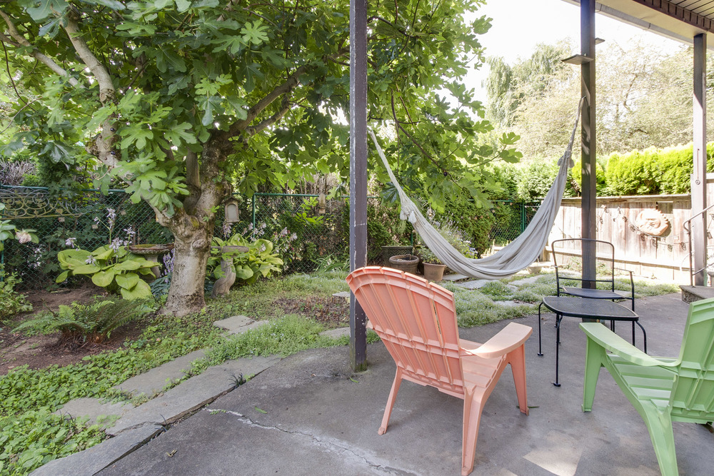 upper floor outdoor space