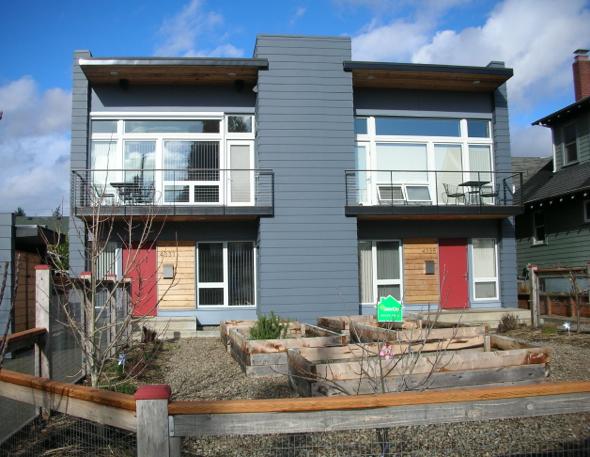 TrekHaus -a modern Portland Passivhaus duplex  SOLD  $1,000,000