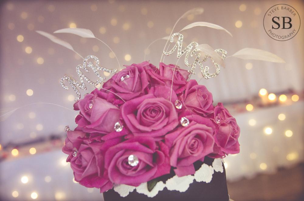 greenwich-wedding-flowers-cake.jpg