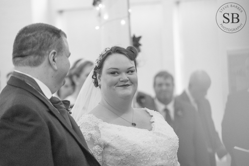 Candid-Bride-Alter-London-Wedding-Photography