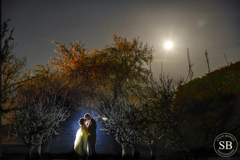 Winters Barn-Kent-wedding-Spring