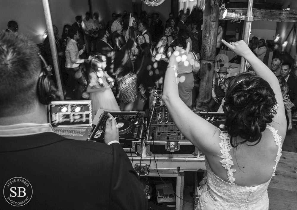 Winters barn-DJ-Music-Wedding