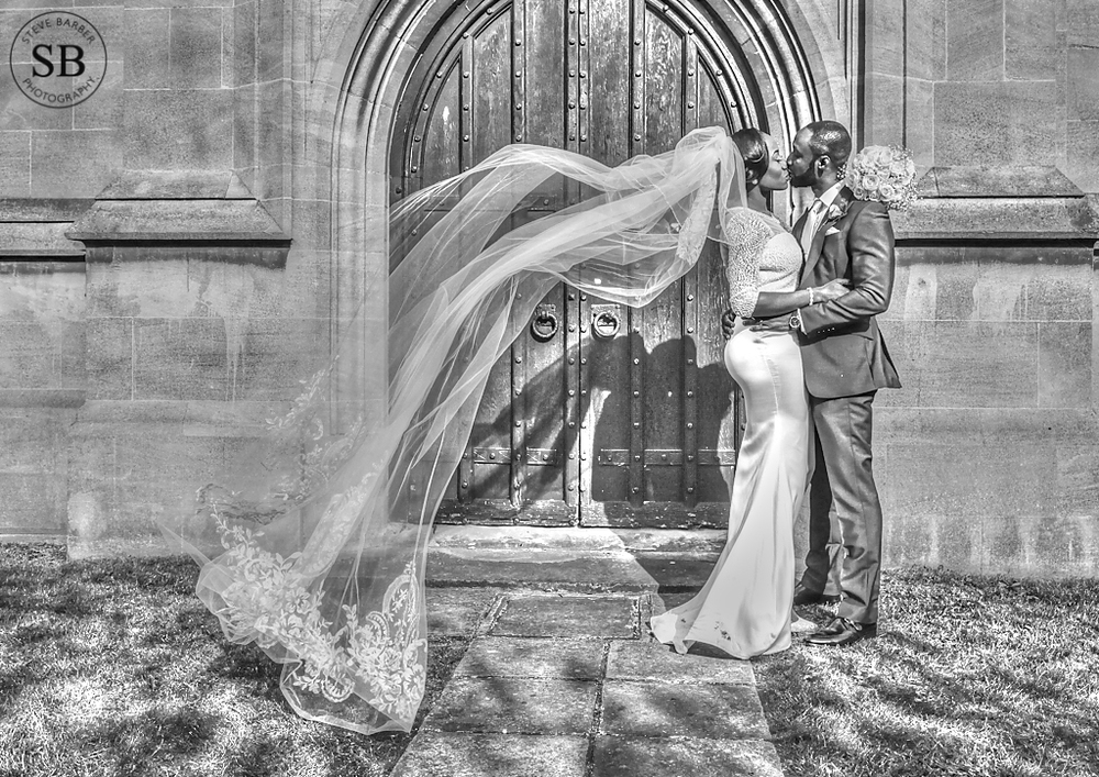 creative-wedding-photography-dagenham-church