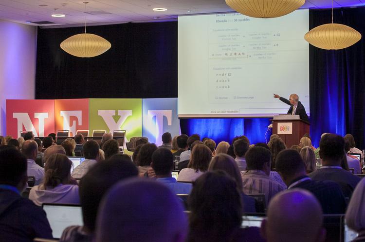Alan November keynotes at NEXT 2014