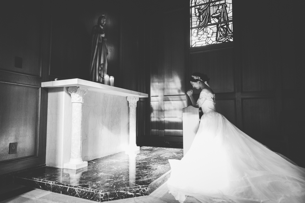 quiet moment bridal picture
