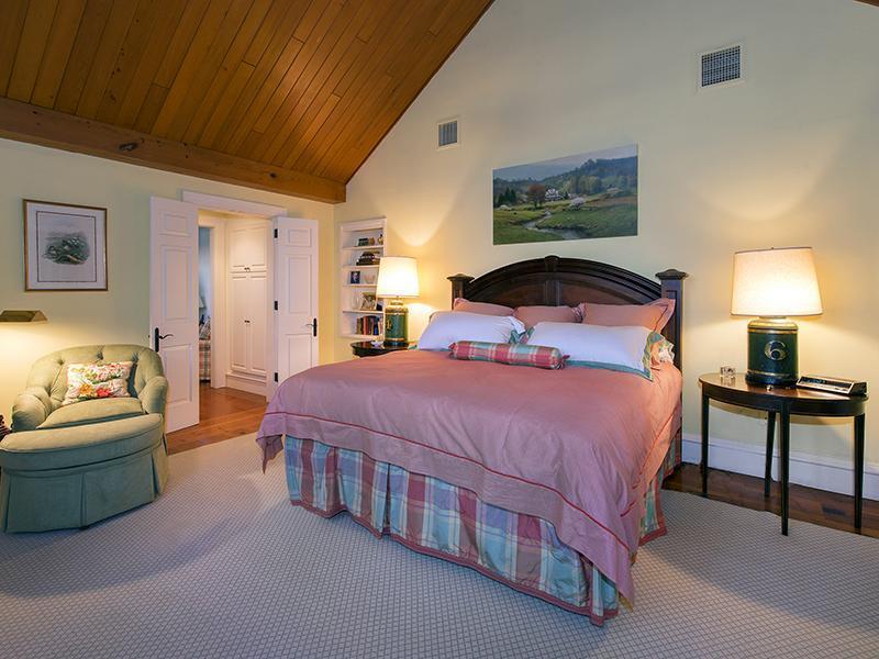 bedroom1_sbr.jpg