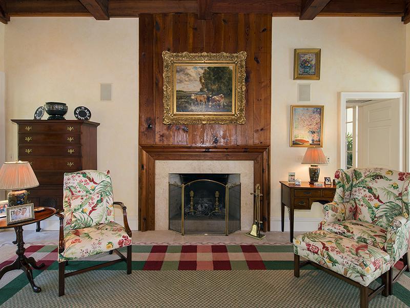 fireplace1_sbr.jpg