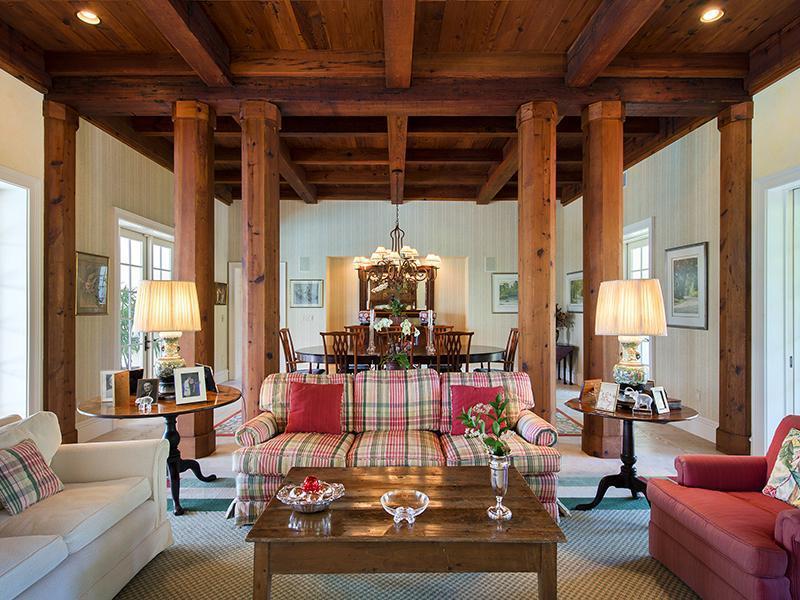 livingroom1_sbr.jpg