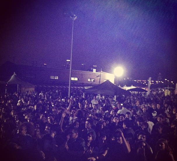 The crowd before Fool's Gold