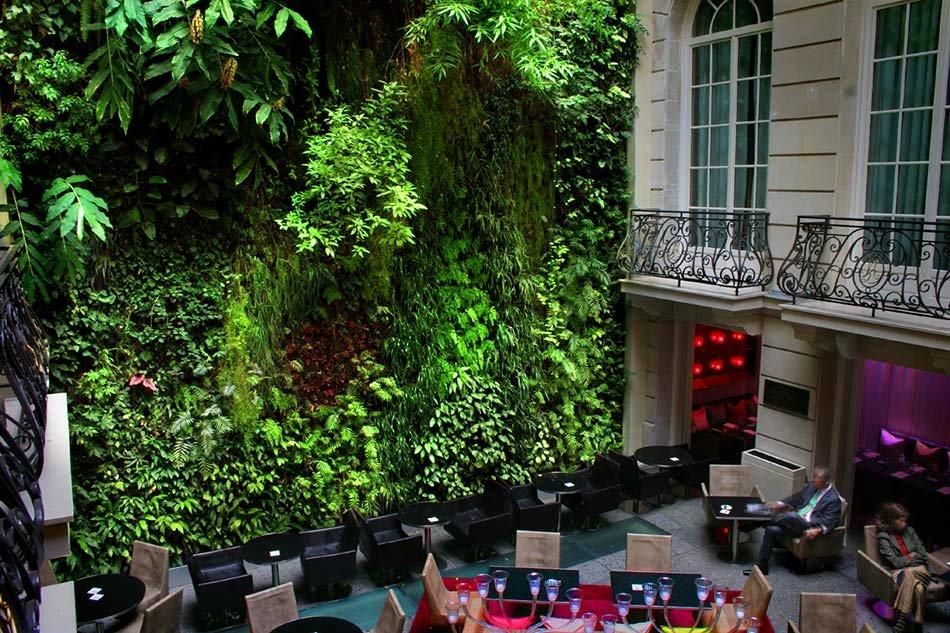 Patrick Blanc  – Il padre delle pareti verdi verticali -Pershing Hall Hotel, Parigi