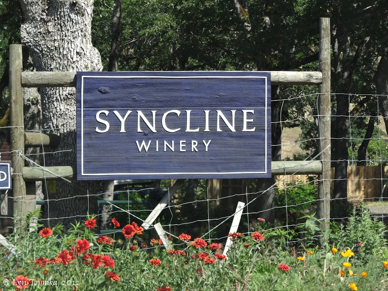 lyle_syncline_winery_sign_06-15-12.jpg