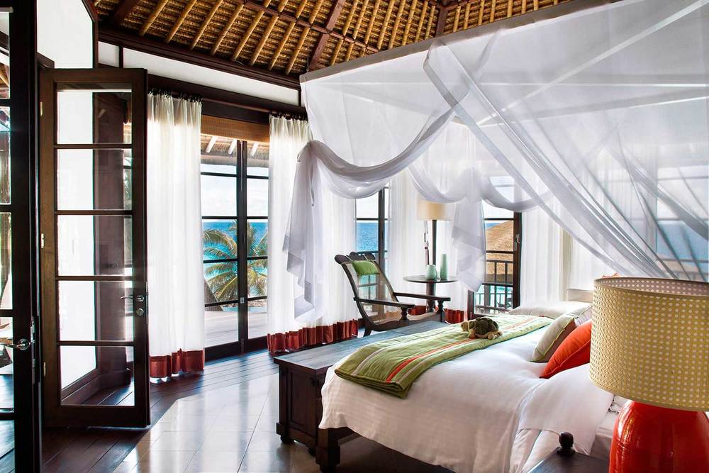 Fregate-Island-Private_Interior-Kingbed.jpg