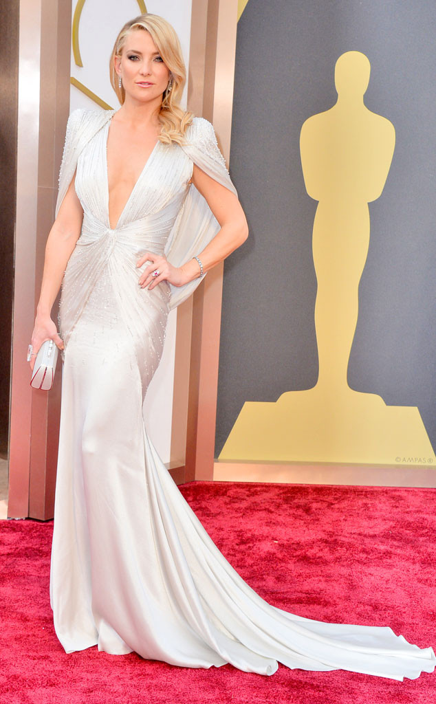 hands down, best dressed should go to the fabulous kate hudson in her atelier versace dress. she looked absolutely gorgeous and elegant. i couldn't stop starring at her when she was presenting, i really hope she wins on fashion police because gah, this dress!! BEST EVER!!