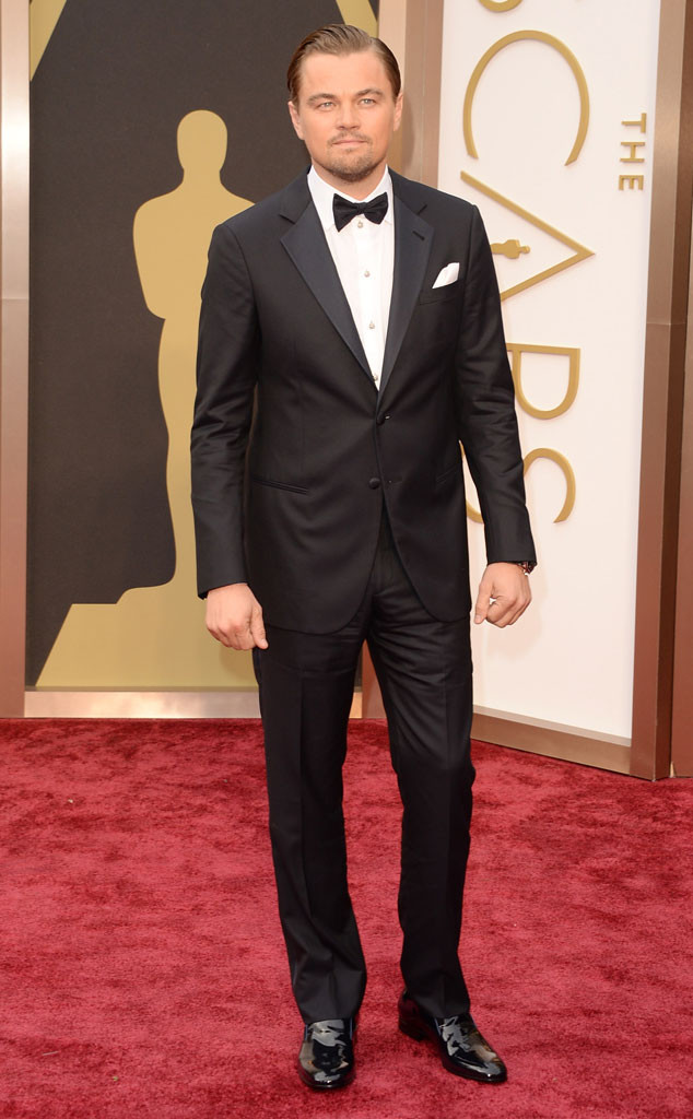 i don't think the men got enough love on their suits, it's usually all about the dresses but how handsome and slick does leonardo dicaprio look in his navy suit! i saw a few navy suits out there and i feel that leo rocked it best! i've loved him since the 4th grade and i'm still gaga over him!