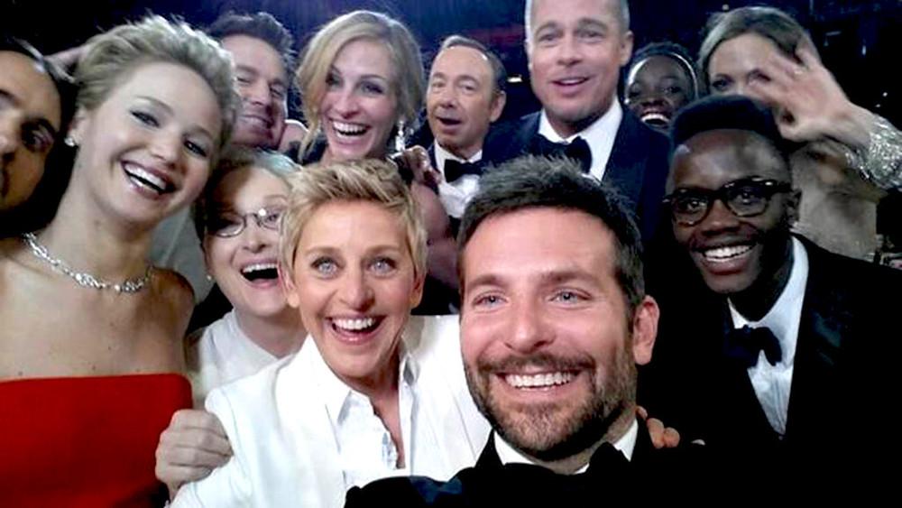 rs_1024x576-140302191349-1024.Oscar-Selfie-Ellen-JLaw-Julia-Brad.jl.030214.jpg