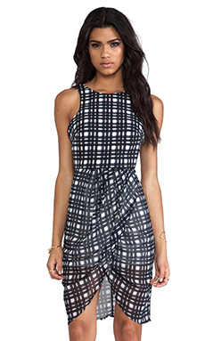 i am absolutely in love with this plaid dress! i can definitely use this in my closet! and pair it with my new jeffrey campbell boots and my new maroon hat from top shop!