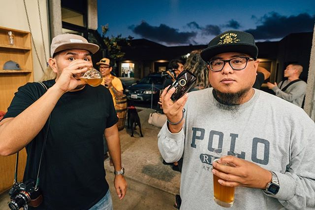 Bros 👊🏼 @godlovesyougly and @brewstills at @mikehessbrewing #beersandcameras #shootfilm