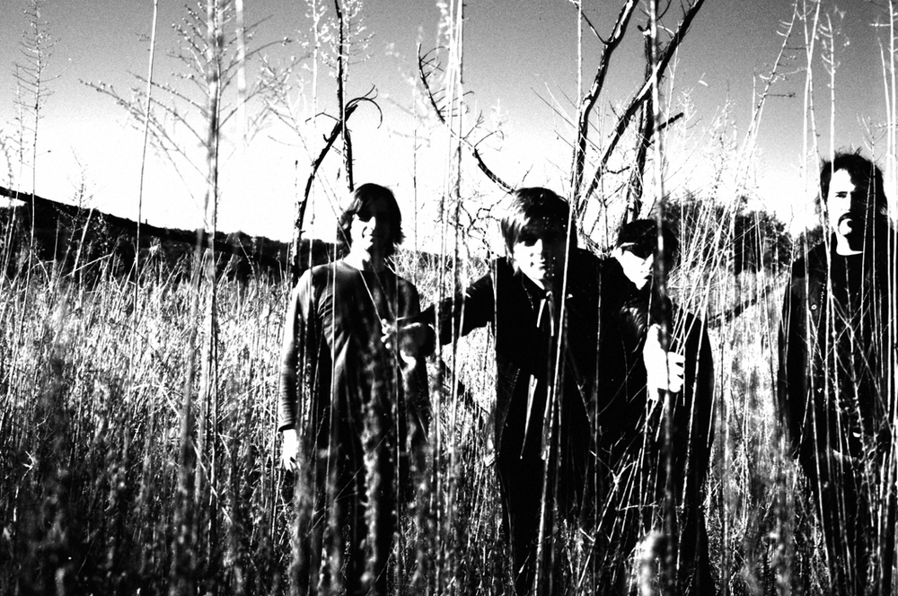 Truckee Brothers dutiful field shot promo pic for the 'Double Happiness' album (2007). Photo Frank Lee Drennen