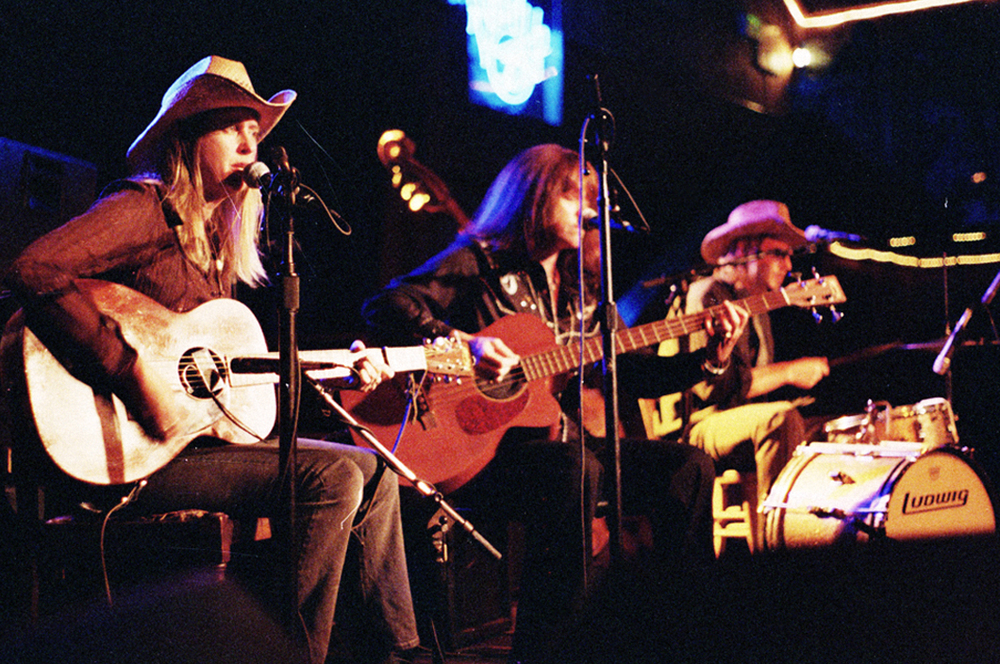 Drumming with Cindy Lee Berryhill & The Wigbillies (2010). Photo   Greg Friedman