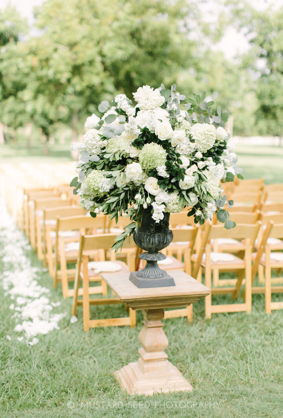 Urn Arrangement- Maxit Flower Design- Houston Weddings