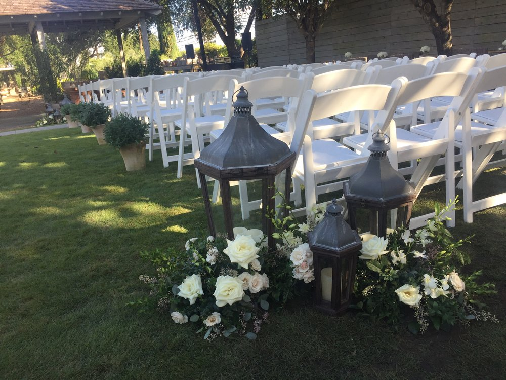Tiny Boxwoods Houston Wedding Maxit Flower Design Lanterns.JPG