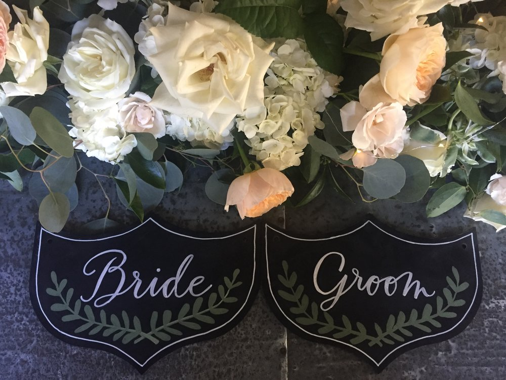 Tiny Boxwoods Houston Wedding Maxit Flower Design Half Moon Lettering Signs.JPG