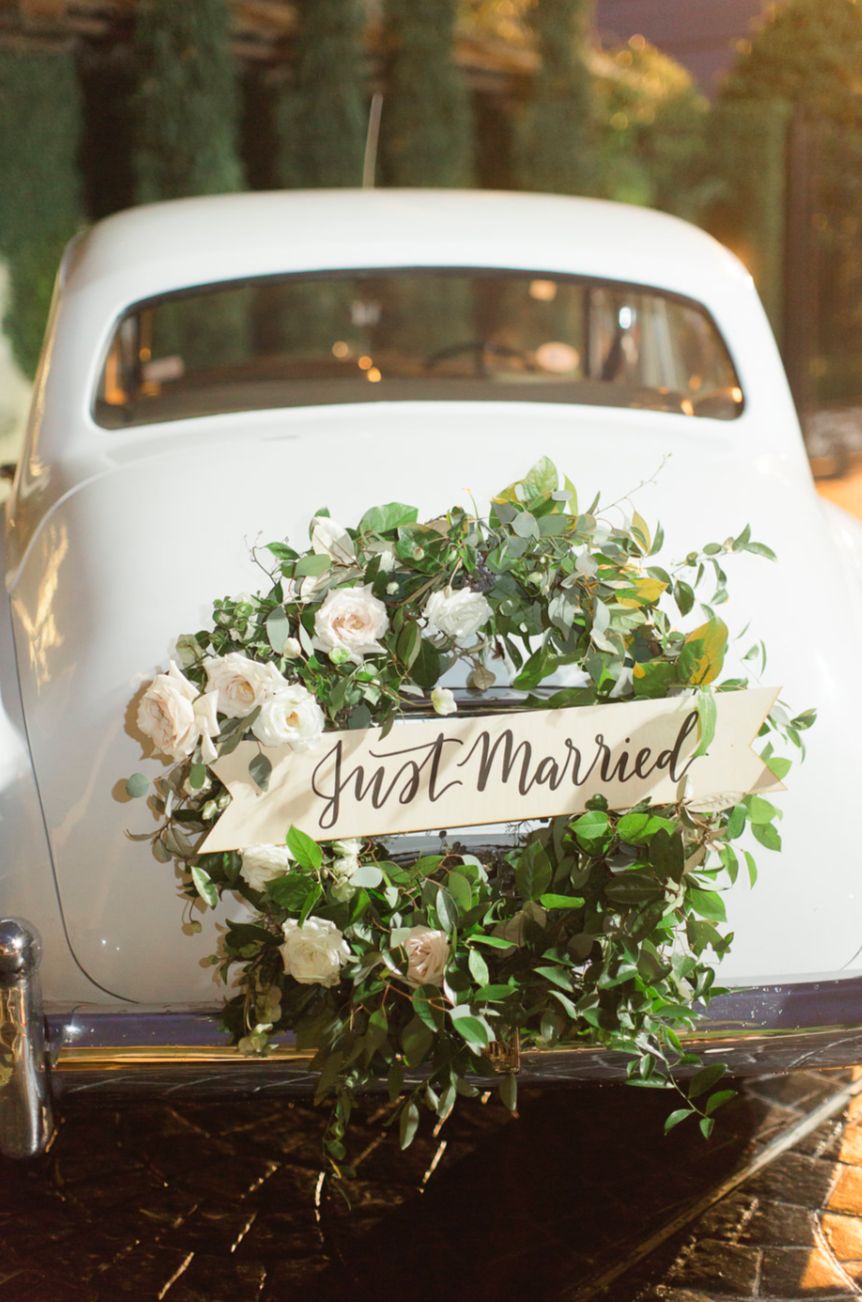vintage rolls royce with wreath and banner maxit flower design