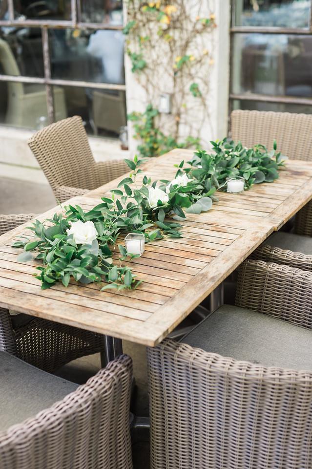 tiny boxwoods wedding outside maxit flower design