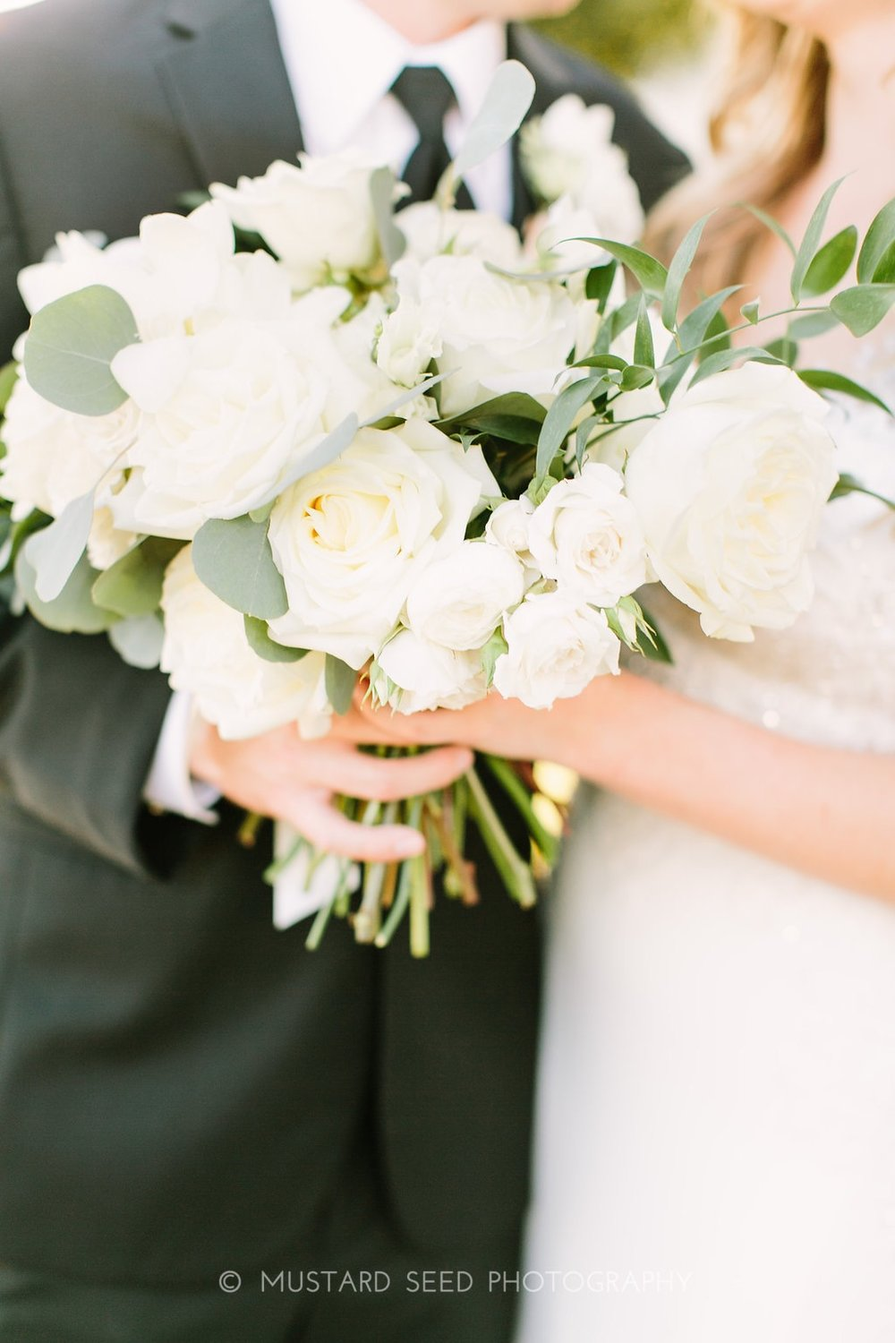 ivory-greenery-bride-bouquet-by-maxi-flower-design-in-houston-texas
