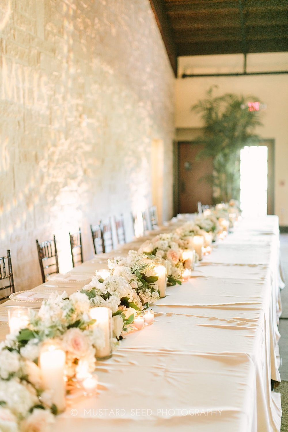 head-table-with-floral-garland-by-maxi-flower-design-in-houston-texas