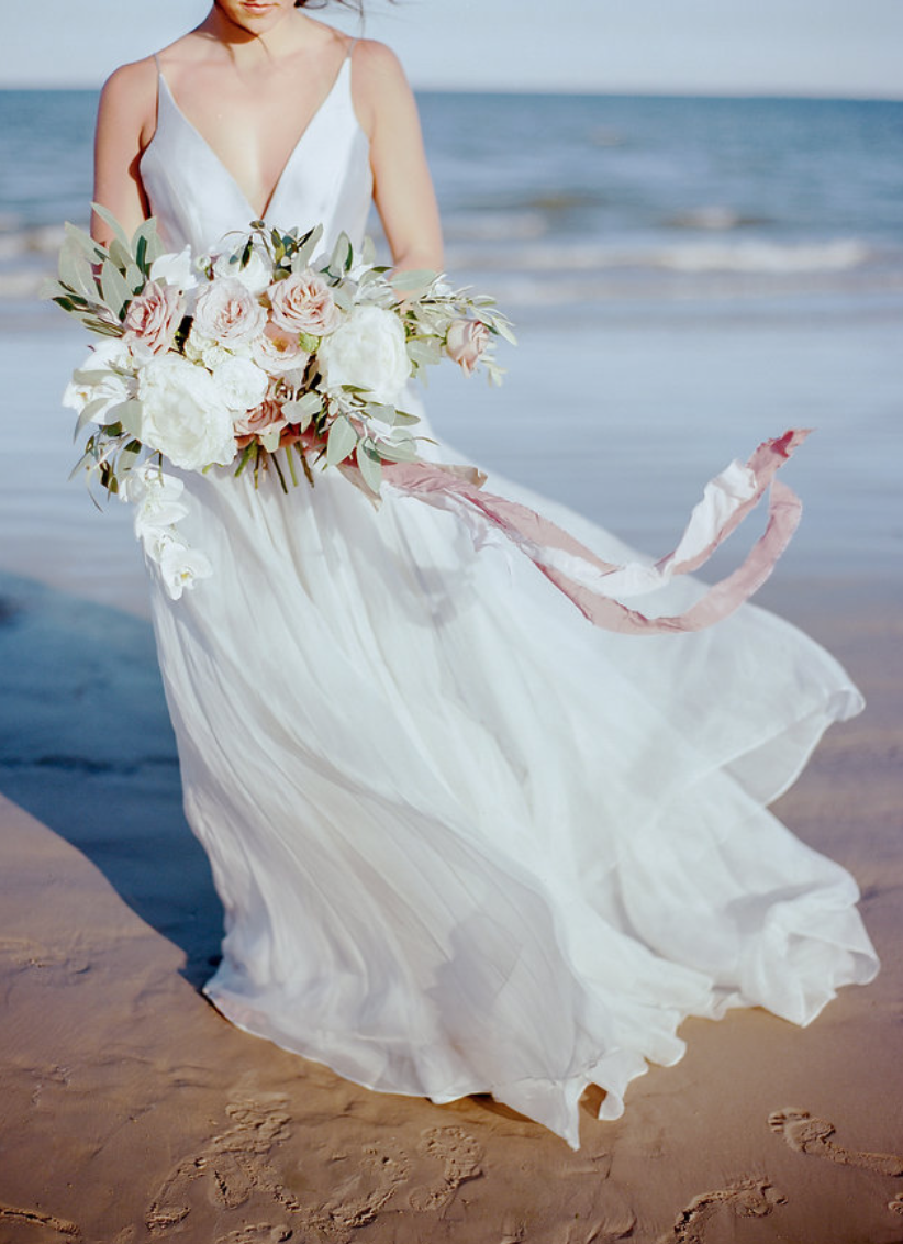 galveston-ocean-beach-bride-wedding-bouquet-by-maxit-flower-design