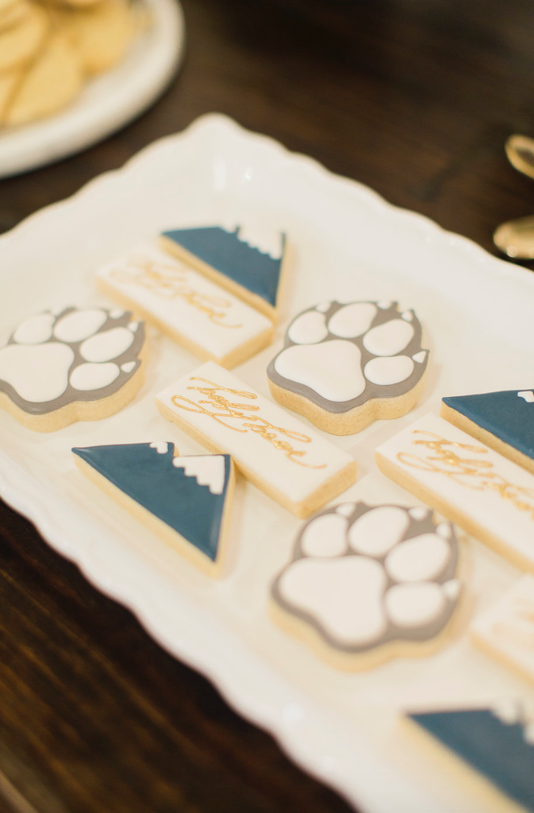 baby-shower-cookies-bear-custom-paw-mountain