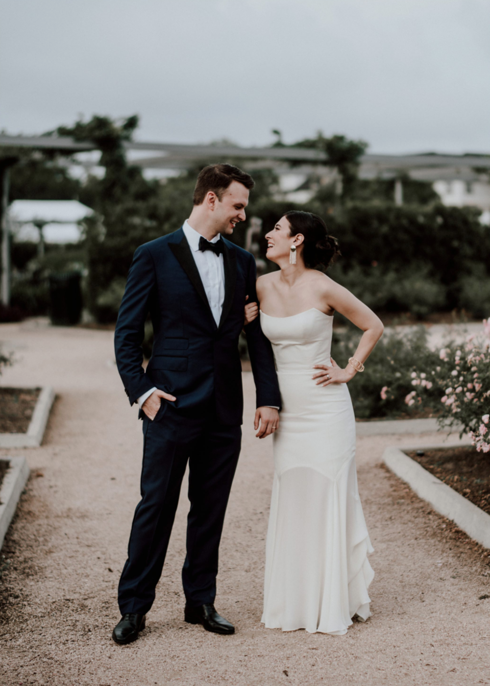 bride-groom-centennial-gardens-modern-wedding-moody-photography-joseph-west-maxit-flower-design-in-houston-texas