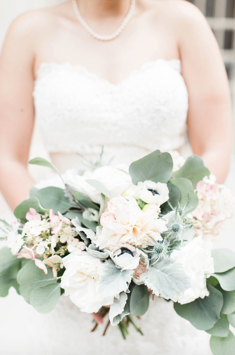 bride-crystal-ballroom-airy-wedding-bouquet-by-maxit-flower-design-in-houston-texas