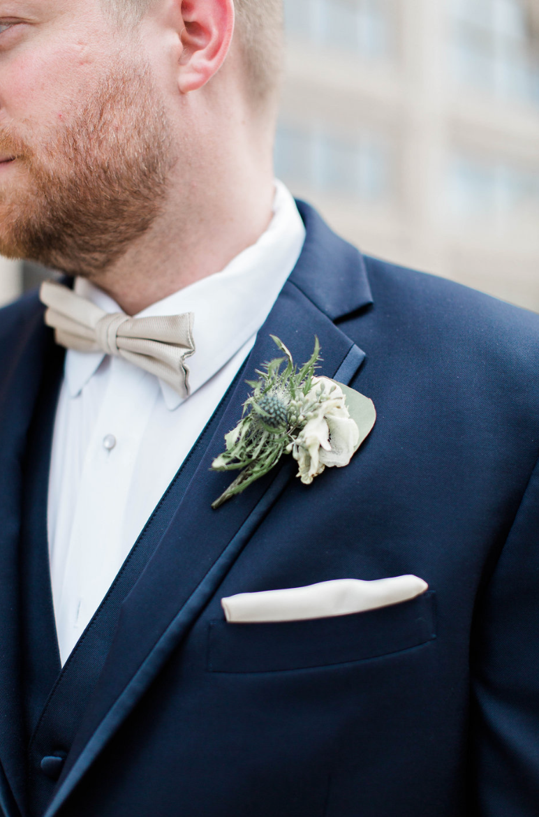 groom-crystal-ballroom-airy-wedding-boutonniere-detail-by-maxit-flower-design-in-houston-texas
