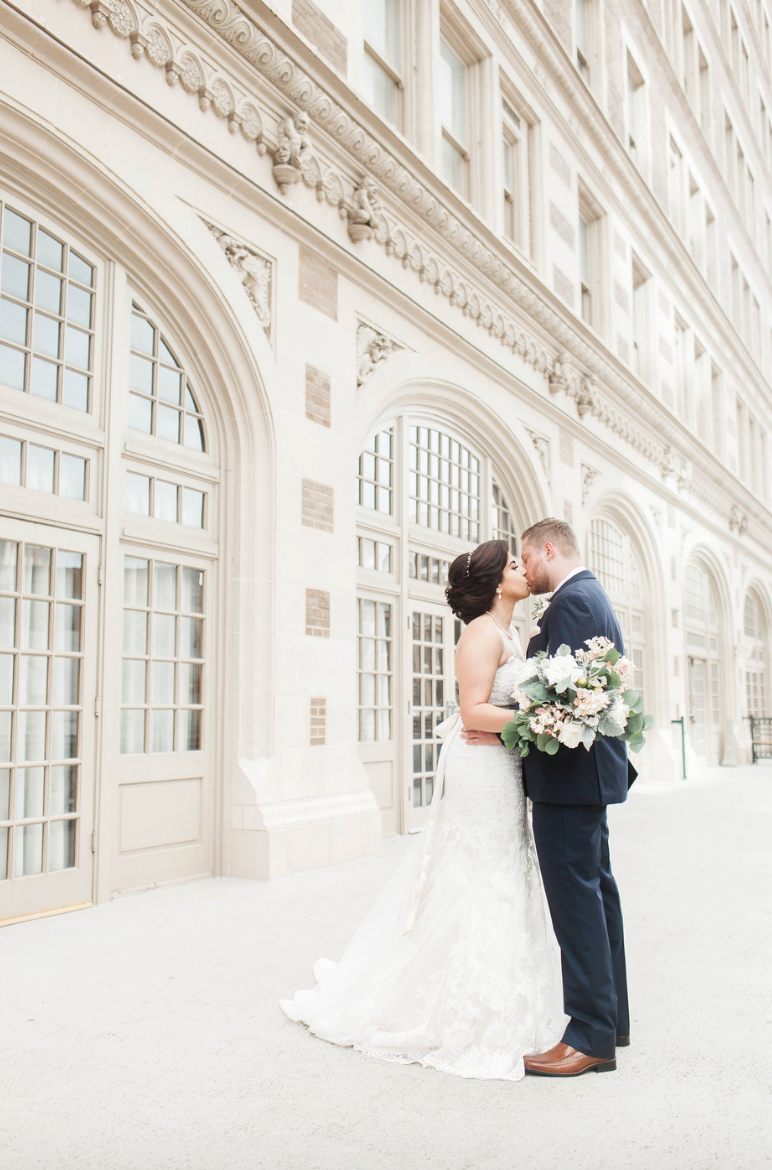 bride-goom-crystal-ballroom-airy-wedding-kiss-floral-by-maxit-flower-design-in-houston-texas