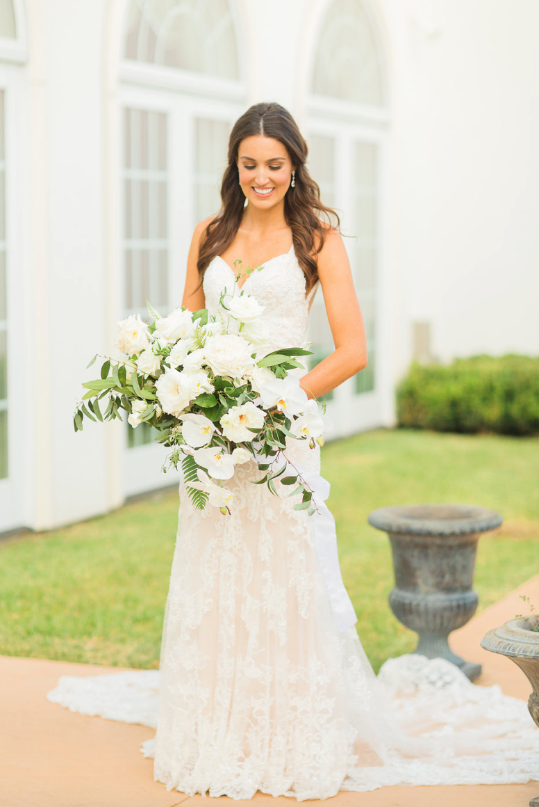 bride-bouquet-white-greenery-ribbon-florals-by-maxit-flower-design-in-houston-texas