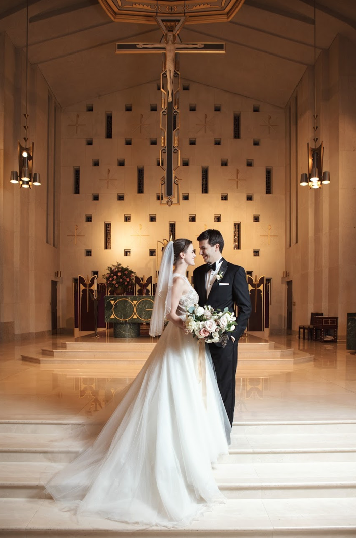 bride-groom-love-ceremony-church-bridal-floral-bouquet-by-maxit-flower-design-houston-texas