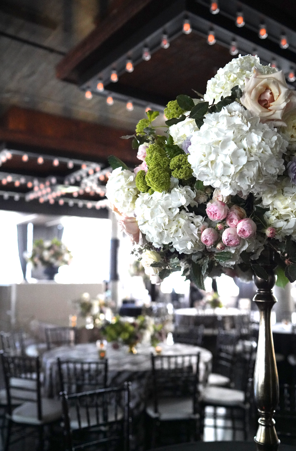 Astorian-Wedding-Flowers-Houston-Tall-Large-Arrangement.png
